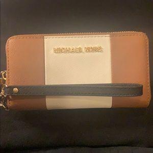 Michael Kors Tri-Color Tech Wallet